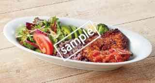 彩り野菜と黒米ごはんのスパイシーカリブチキンプレート