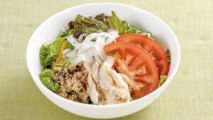 蒸し鶏とキヌアのサラダ