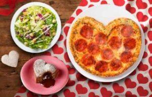 ハートのピザ1枚+サイドメニュー2品